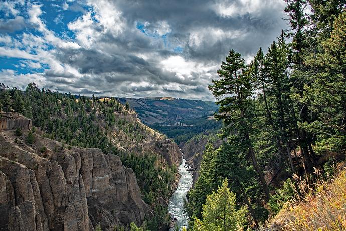 3951 calcite spring trail